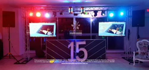quinces valentina sonido pantallas postres carreta (10)