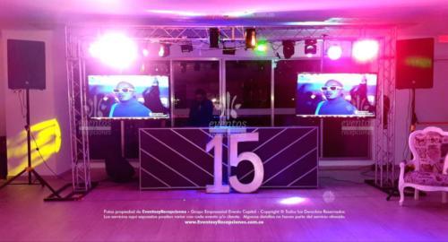 quinces valentina sonido pantallas postres carreta (13)