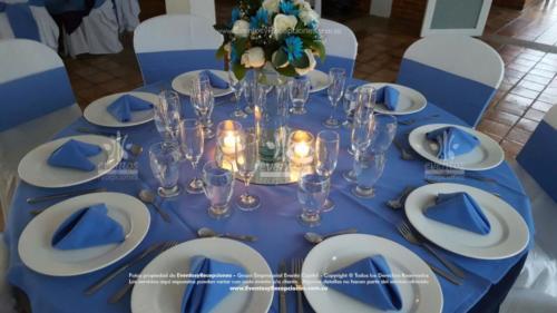 mantel base azul oscuro redondo tapa azul hortensia fajon servilleta azul hortensia  (3)