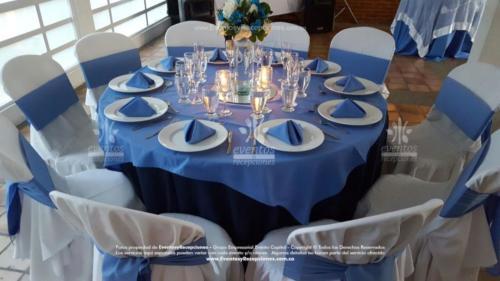 mantel base azul oscuro redondo tapa azul hortensia fajon servilleta azul hortensia  (4)
