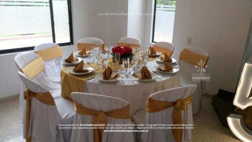 mantel base blanca redondo camino dorado fajon servilleta (3)
