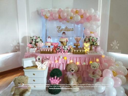 mesa de postres peluches rosada (7) (1)