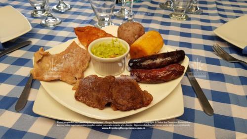 parrillada plato cuadrado taza guacamole evento (3)