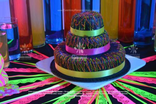 tematica neon ponque montaje mesa ponque (1)