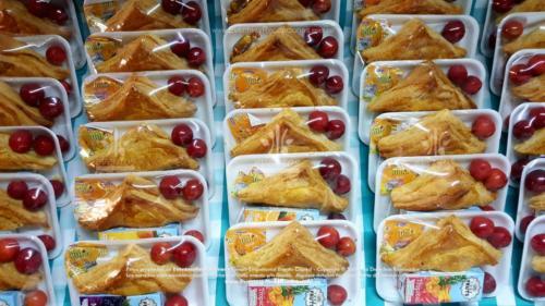 Refigerios empacados Pastel Pollo Jugo caja Fruta Golosina  (5)
