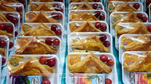 Refigerios empacados Pastel Pollo Jugo caja Fruta Golosina  (6)