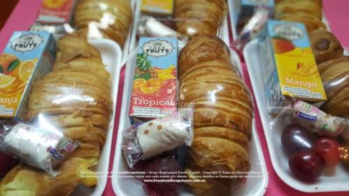 refrigerios empacados croissant jugo caja golosina fruta temporada (2)