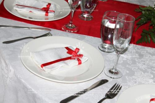 decoracion servilletas  (7)blanca cinta roja