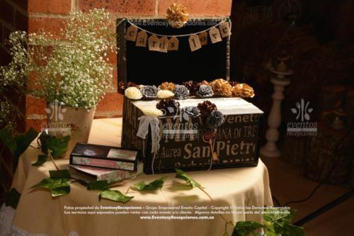 decoracion mesa cofre vintage